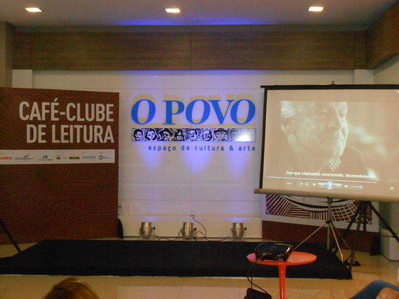 Café Clube de Leitura.