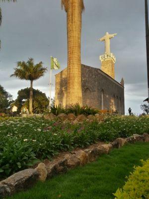 Ex-vereador de Viçosa do Ceará denuncia deterioração na Igreja do Céu