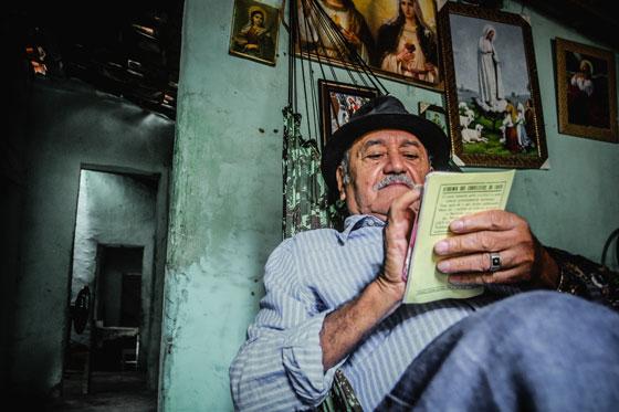 Onde mora a poesia: entrevista com o poeta Luciano Carneiro ...